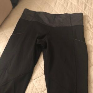 Pristine  lululemon leggings with pockets